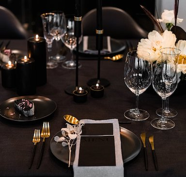 Modern private dinner styling
