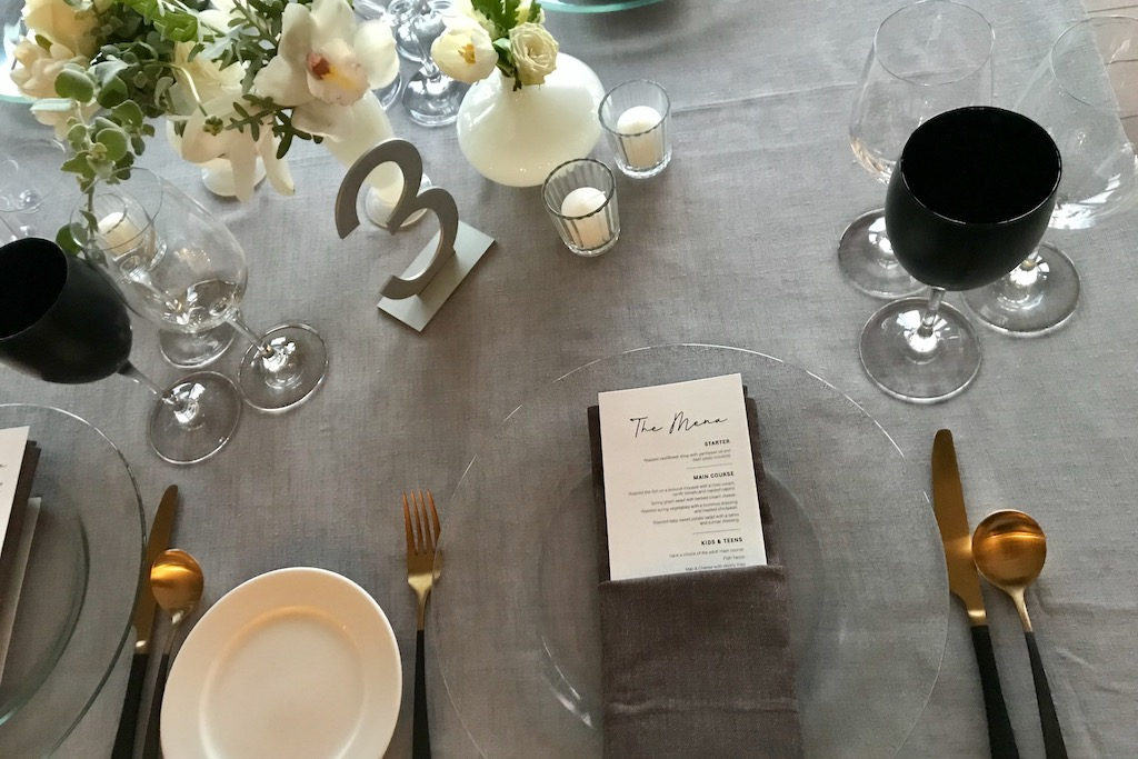 Shabbat dinner decor